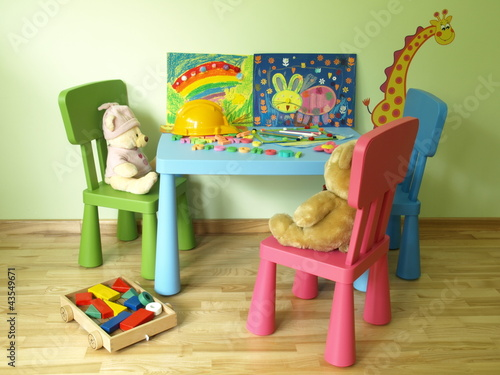 Kid's table