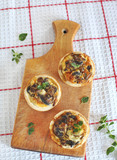 mini quiches with mushrooms