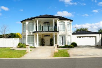 Contemporary and elegant house design