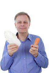 Mann mit Gemüse