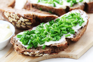 Wholesome Bread with Chives