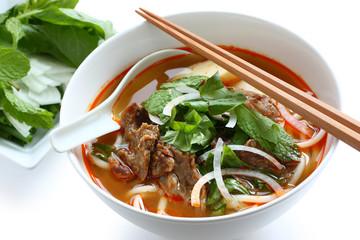 bun bo hue, vietnamese noodle cuisine