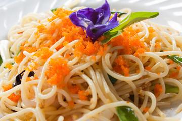 spaghetti egg shrimp