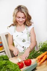 Vegetarierin in Küche