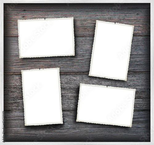 Bilder mit unregelmäßigen Rändern auf Holzwand