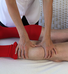 Applying pressure to gastrocnemius