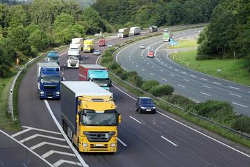 Güterverkehr auf der Autobahn