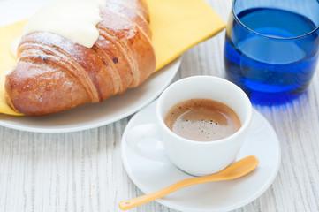 coffee with croissant _ Caffè espresso e brioche alla crema