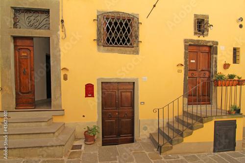 Hauseingänge in Cortona
