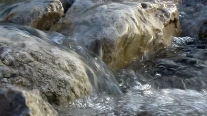 Frisches fließendes Wasser