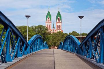 Freiburg , Herz-Jesu Kirche , Blauebrücke