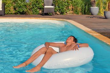 Bien-être dans la piscine