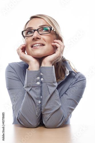 Tagtäumerische Frau