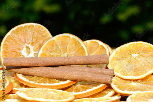 Fotobehang Plakjes fruit Orangen mit Zimt