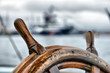 Leinwanddruck Bild - steering wheel sailboat