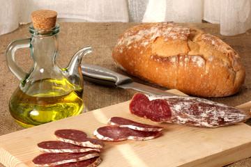 pan fuet y aceite de oliva