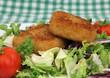 Käse gebacken mit Salat