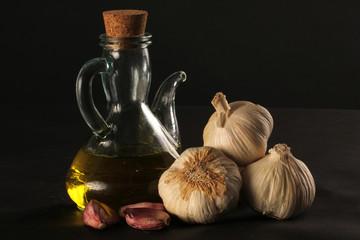aceite de olivacon trio de ajos