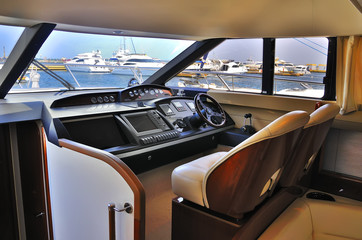 steering wheel yacht