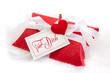Für Dich - rot eingepacktes Geschenk mit Herz