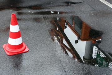 Absperrung Baustelle Regen