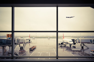 airport outside the window scene