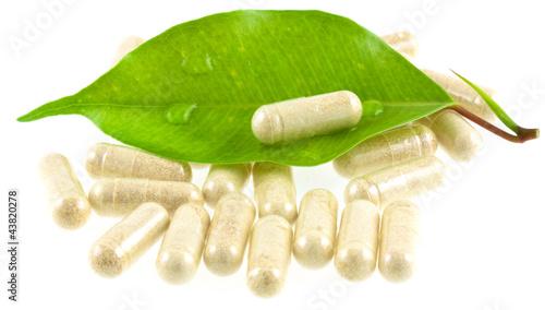 médecine douce, traitement par les plantes - 43820278
