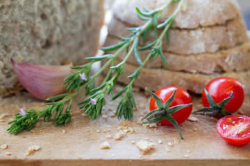 Vegetarian tomato bread with savory