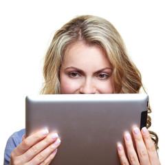 Frau mit Ebook-Reader