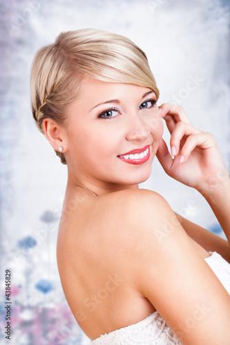 junge blonde Frau