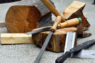 outils de bricolage,ciseau à bois,rape,bois
