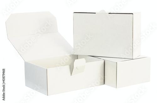 weiße Pappkartons