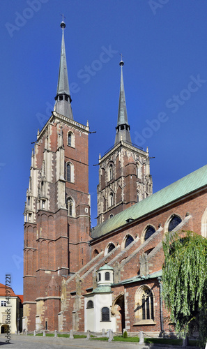 Gothic cathedral in Wroclaw, Poland © kilhan
