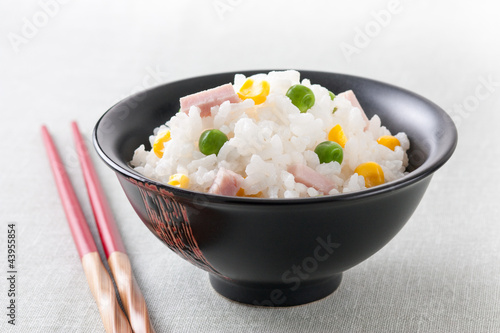 Rice with peas, sweet corn and ham