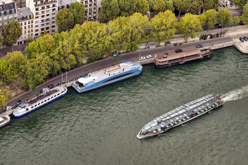 Paris tourism on water