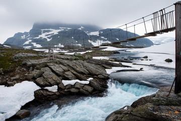 Sommerbrücke im Hardangervidda Nationalpark in Norwegen