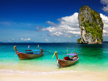 Playa tropical, mar de Andaman, Tailandia