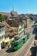 Tramway dans le centre ville de Bâle, Suisse. - 44023649
