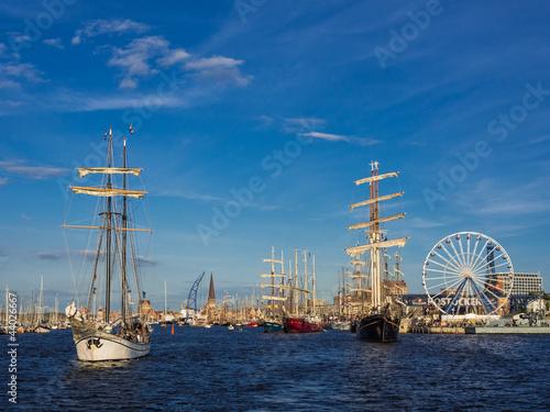 Leinwanddruck Bild Segelschiffe auf der Hanse Sail 2012 in Rostock.
