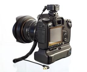 spiegelreflexkamera mit blitzschuh und synchron blitzkabel