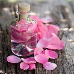 Duftwasser, Rosenblätter