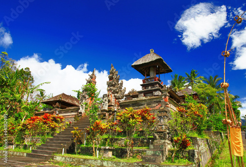 Balinesian temoles