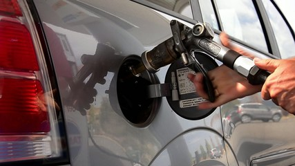 refueling a car with lpg gas