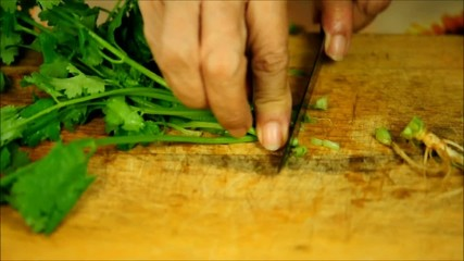 Cutting coriander