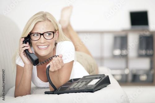 canvas print picture junge Frau am Telefon