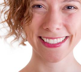 Ein strahlend natürliches Lächeln