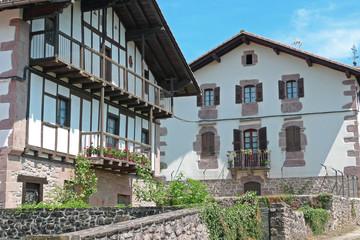 Deux maisons basques