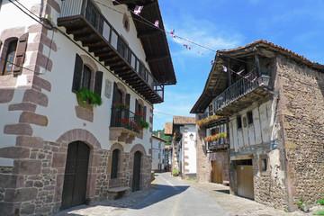 rue dans un village basque