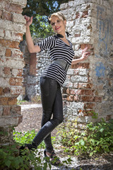 Fashionshooting in alter Ruine