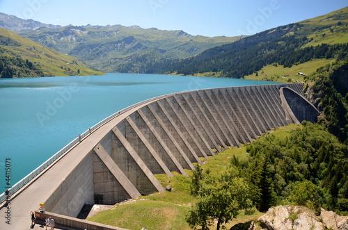 Barrage et lac de Roselend